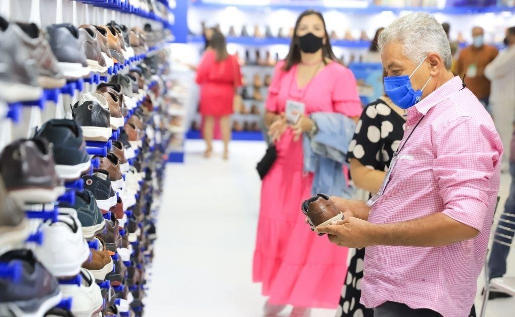 Será a prova de fogo para as grandes marcas de calçados observarem na prática o novo costume de compra que veio com a pandemia