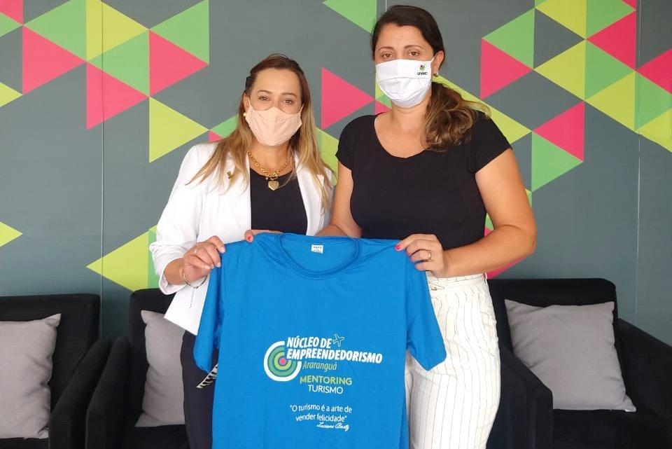 Diretora da Unesc Araranguá, Izabel Regina de Souza, liderou reuniões nesta quarta-feira (27)