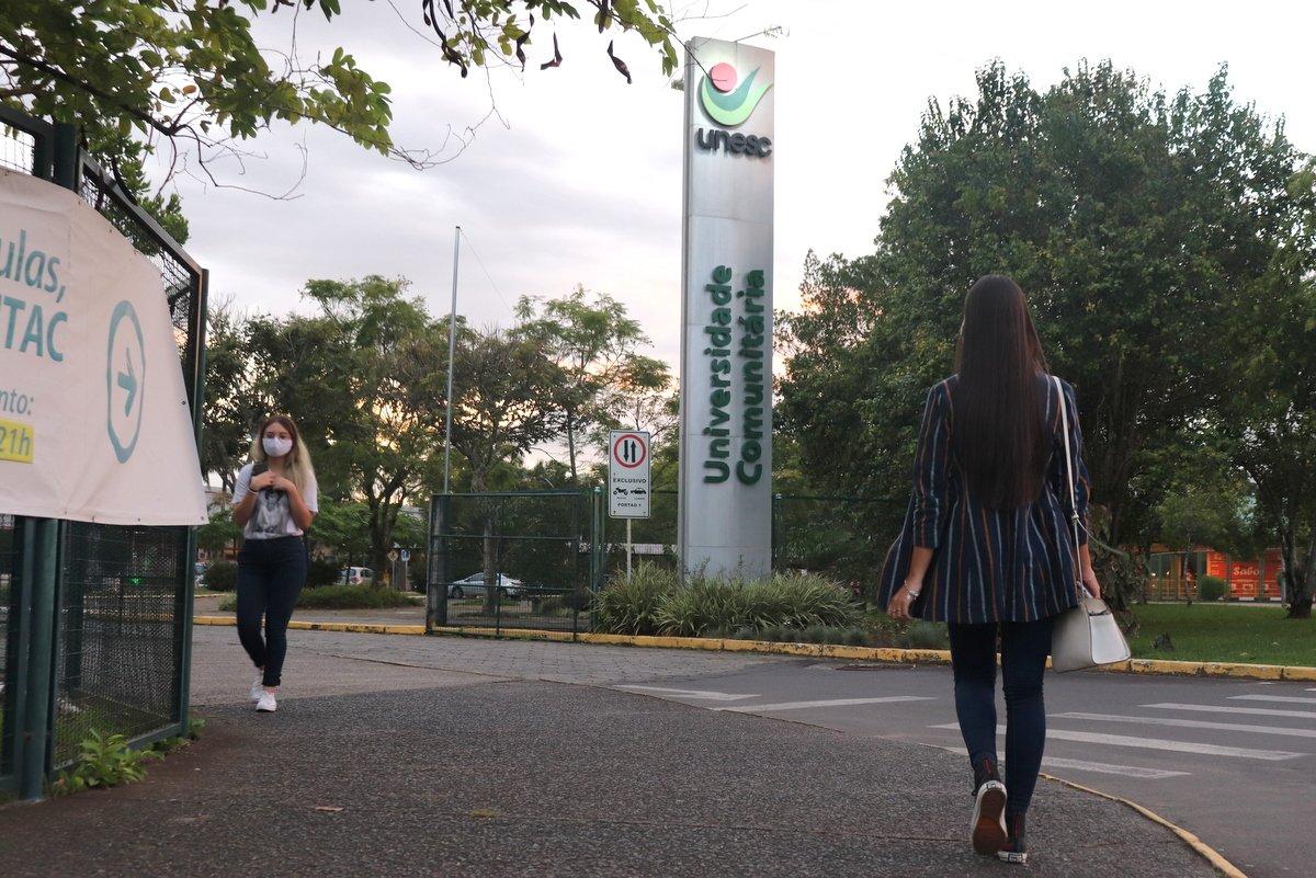 Universidade oferece três cursos com início nos próximos dias para diferentes profissionais