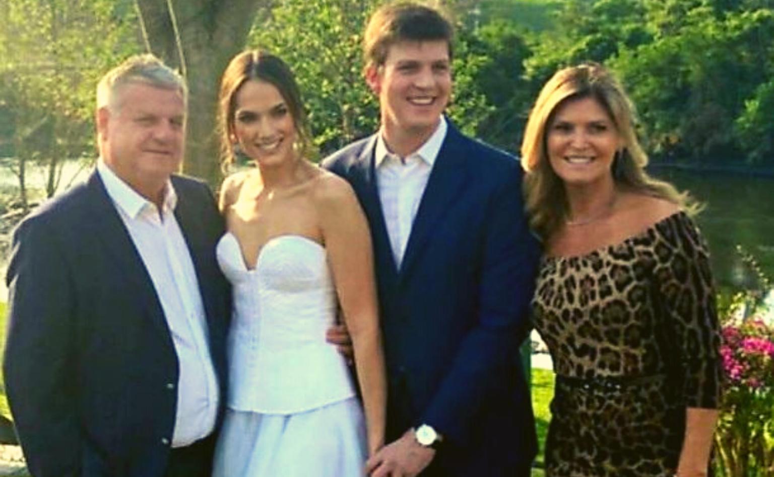 Famílias Schlickmann e Agostinelli festejam noivado em São Ludgero